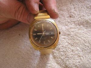 【送料無料】 腕時計 ビンテージvintage timex automatic day date