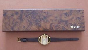 【送料無料】 腕時計 ビンテージオリジナルベークライトボックスワイラーモダンvintage wyler modern futuristic ladies wristwatch in original bakelite box