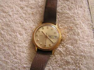 【送料無料】 腕時計 ビンテージvintage timex watch modern day date