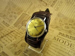 【送料無料】 腕時計 ビンテージメンズウォッチソvintage mens wrist watch luch ussr