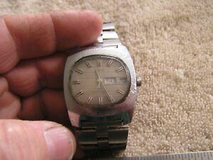 【送料無料】 腕時計 ビンテージvintage timex watch water resistant day date