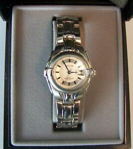 【送料無料】 腕時計 アヴァロンクオーツavalon ladies sport dress quartz wristwatch with metal bracelet and date