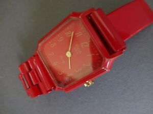 送料無料腕時計 クオーツelvia old metal quartz wristwatch red lady girl woman watch 1980tsxQrChd