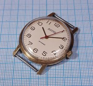 【送料無料】 腕時計 メッキメンズソソwostok 2209 au20 gold plated mens wristwatch 18 jewels ussr soviet era