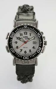 【送料無料】 腕時計 メンズウォッチホワイトステンレスシルバーブラックレザーバッテリーライトクォーツ