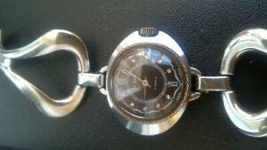 【送料無料】 腕時計 スラソwomens slava wrist watch ussr 60x of the year