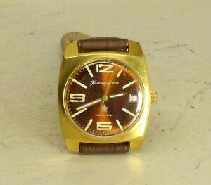 【送料無料】 腕時計 ヴォストークソソゴールドプラチナwostok vostok commander wristwatch date soviet ussr 17 jewels 2214 cal gold plat