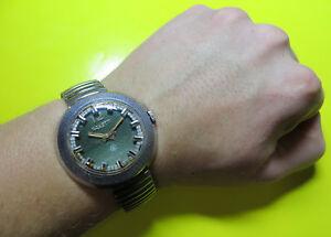 【送料無料】 腕時計 ビンテージロケットソビエトロシアウォッチ