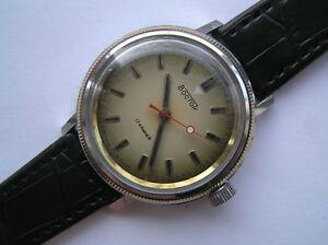 【送料無料】 腕時計 ヴィンテージussr vostok サービスmens vintage wrist watch ussr vostok serviced