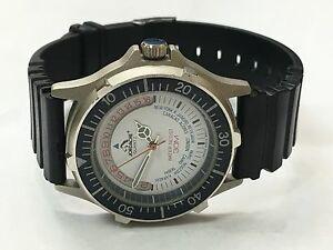 【送料無料】 腕時計 30m 2ヴィンテージジョーダッシュアナログhour ̄datej88215vintage rare jordache men 30m dual tone analog quartz watch hour~datej88215