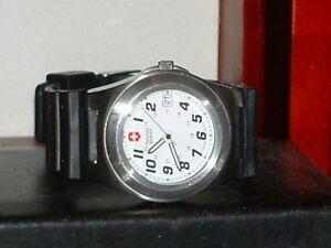 【送料無料】 腕時計 ビクトリノックススイスクオーツアナログpreowned men's victorinox swiss army date silver tone quartz analog watch