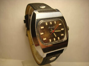 【送料無料】 腕時計 サービスソraketaテレビペトロドボレツ2609 ha originalrare soviet raketa tv petrodvorets 2609 ha original watch serviced and oiled
