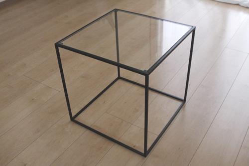 トレイテーブル400角BKガラス サイドテーブル ローテーブル スタッキングシェルフ 日本製 メーカー直販 アイアン テーブル おしゃれ ナイトテーブル ベッドサイドテーブル 北欧 モダン  トレイテーブル お洒落 新生活 一人暮らし 人気 デザイン