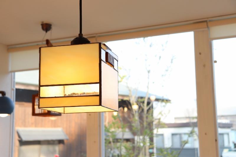 照明 ペンダントライト おしゃれ 天井照明 LED 和室照明 塚田農場照明 hom kobako ペンダントライト ステンドグラス 和風照明 6畳
