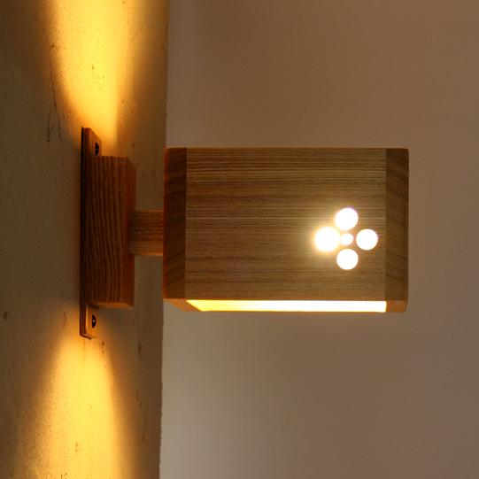 【LEDブラケットライト5年保証】【送料無料】 オリジナルライトLED電球付属 サクラブラケット 壁掛け照明 木製 照明器具 電気 玄関 レトロ かわいい おしゃれ 新生活 新築 リフォーム お店 店舗 デザイン  間接光 桜