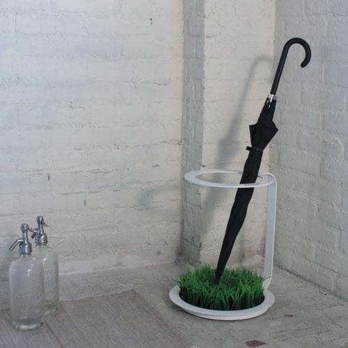 人工芝を敷いた傘立て!g-umbrella stand(ジーアンブレラスタンド)