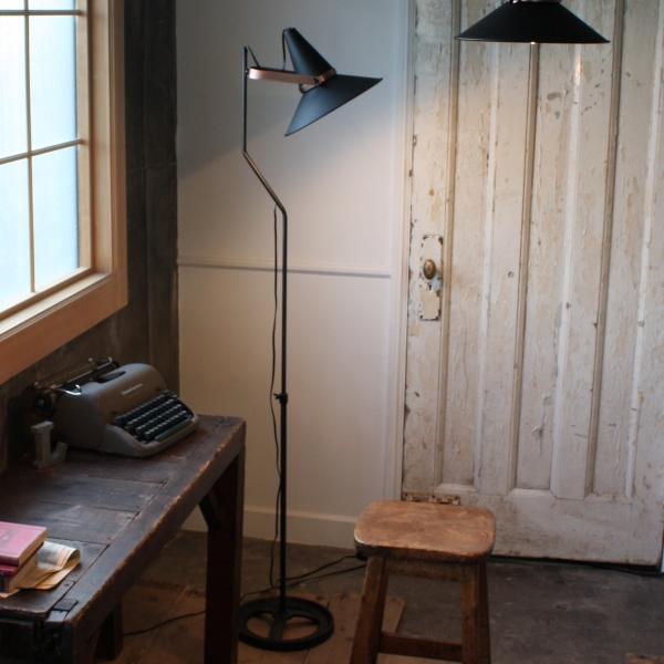 インダストリアルデザインのフロア照明! Studio D(スタジオD)floor lamp【新生活】【一人暮らし】【家具】
