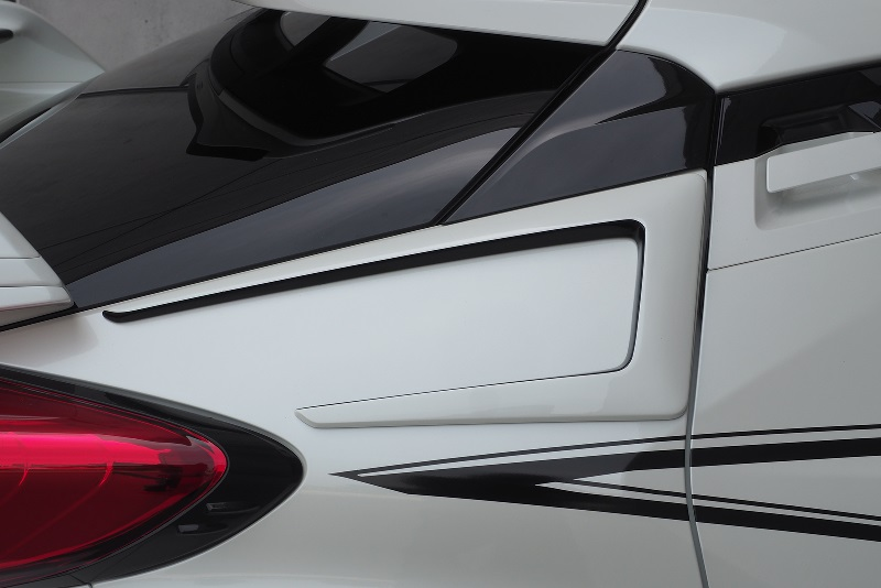 ロウェン ジャパン プレミアム C-HR 全グレード ZYX11 NGX10 NGX50 リヤクォーターパネルエクステンション FRP 塗り分け塗装 1T026E00## ROWEN