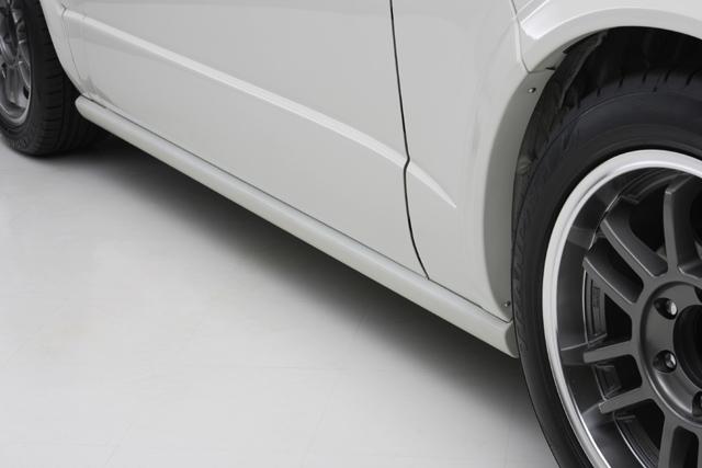 ユーアイビークル ハイエース 200系 サイドステップ 未塗装 UI-vehicle ユーアイ