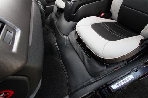 ユーアイビークル ハイエース 200系 ワイド ボディ エンジンルームカバー フロント用/リア用 UI-vehicle ユーアイ