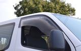 ZOO PROJECT ズープロジェクト NV350キャラバン E26 手動格納ミラー車専用 オックスバイザー スポーティーカット フロントサイド用 SP-92