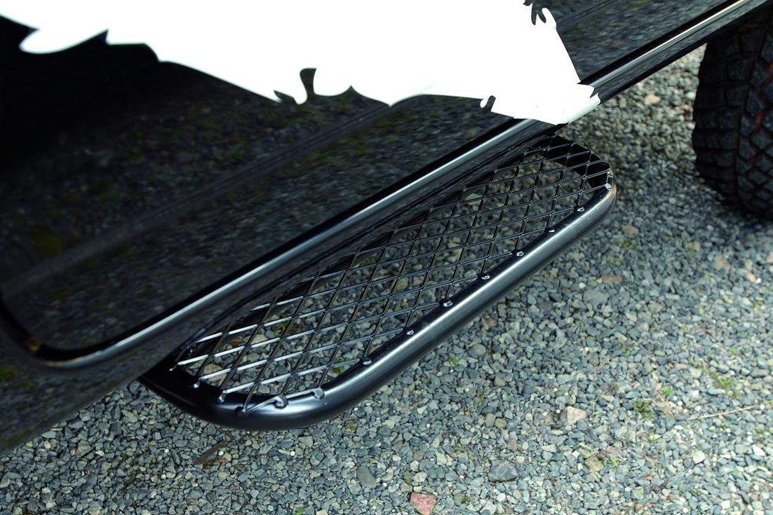 オフロードサービス タニグチ ジムニー JB23 サイドステップ2 片側 黒塗装品 OFF ROAD SERVICE TANIGUCHI