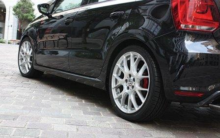 ガレージベリー ポロ  サイドステップ FRP 品番6517 GARAGE VARY varyReife  個人宅発送追金有