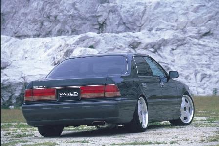 WALD ヴァルド Executive Line クラウン UZS JZS150 前期 後期 リアスカート FRP製