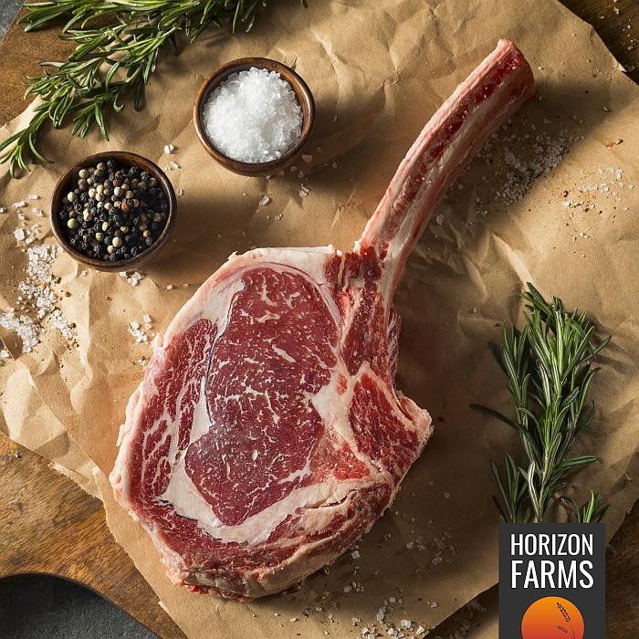 USDAプライムビーフの認証を受けたトマホークステーキ USDA プライム トマホークステーキ 1kg 最高品質 アメリカン ビーフ 熟成 グラスフェッド グレインフィニッシュ ホルモン剤不使用 抗生物質不使用 アメリカ産 アンガス牛 厚切り 骨付き リブアイ リブロース