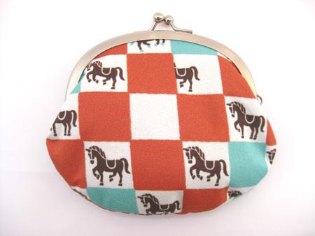 馬柄がまぐち 少し大きいサイズで登場です 新品未使用 公式通販 市松模様 メール便可 橙 馬がまぐち