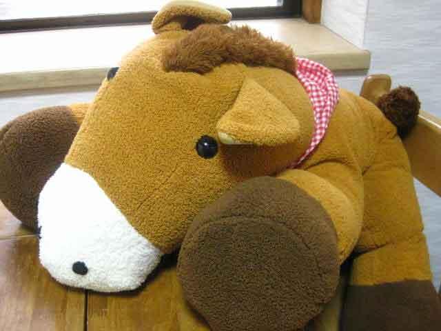 在庫一掃 一番大きなまきばちゃんは馬仲間への贈り物に大人気なんですよ 人気の定番 まきばちゃん 鹿毛 LL