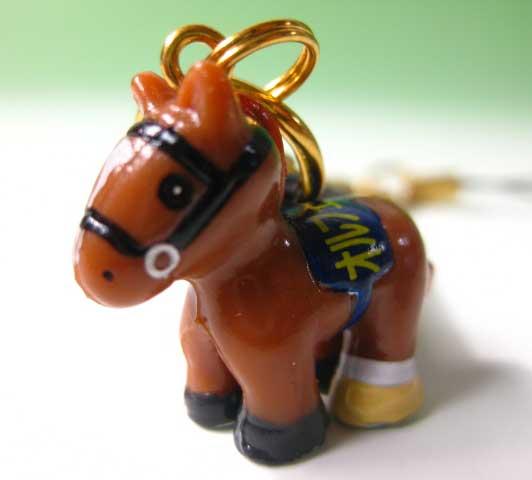国産品 オルフェーヴル携帯ストラップ 注目ブランド 競走馬ストラップ三冠馬バージョン