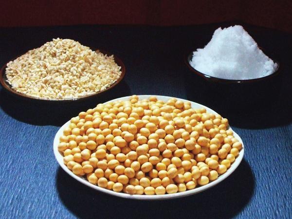 味噌作りが初めてな方も 調味料としてこだわりたい方も昔ながらの味噌作りの一面を体験できます JAS認定有機米を初めとし 100%国産原料でこだわりの原料を揃えました 送料無料 期間限定 新作アイテム毎日更新 味噌造り原料セット 種みそ付き 10kg メーカー在庫限り品 味噌 みそ ミソ 無農薬 無添加 セット 原料 ギフト こだわり 通販 仕込み 昔ながら ランキング 味噌作りセット 手作り 味噌原料 手造り 味噌造りセット お試し