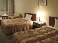 ホテルの羽毛ベッドカバー(フリルタイプ)をご家庭向けにもお届けしています◆本物の 一流ホテル・高級旅館仕様なのでフワッと軽く上品な風合い◆PSシングルサイズ◇しかもお客様がお持ちのベッドのサイズに合わせて縫製します!日本製