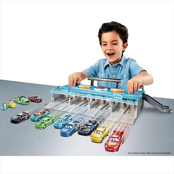 ミニカー◎カーズ おもちゃ☆カーズミニカーを10台いっしょに!競争できる~♪ 楽しいグランプリ・スタートダッシュ! カーズ おもちゃ【予約商品】