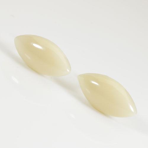 白珊瑚 ピアス マーキス K18 無染色 SANSUI宝石サンゴ 天然 本さんご コーラル