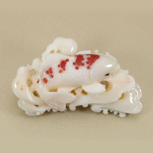 ミッド珊瑚 帯留め 錦鯉 無染色 SANSUI 伯全作宝石サンゴ 天然 本さんご コーラル