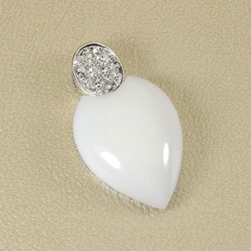 白珊瑚 ペンダント K18 ホワイトゴールド 無染色 SANSUI宝石サンゴ 天然 本さんご コーラル