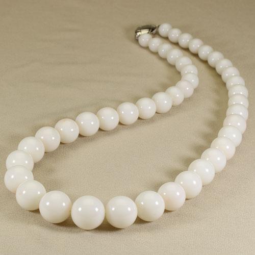 白珊瑚 ネックレス シルバー 丸玉 無染色 SANSUI宝石サンゴ 天然 本さんご コーラル