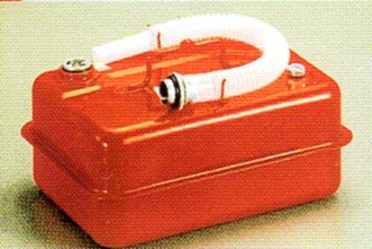 ガソリンの持ち運びは定められた金属缶で ストア アウトレット 田巻 ガソリン携行缶TS-5 5L 国産品