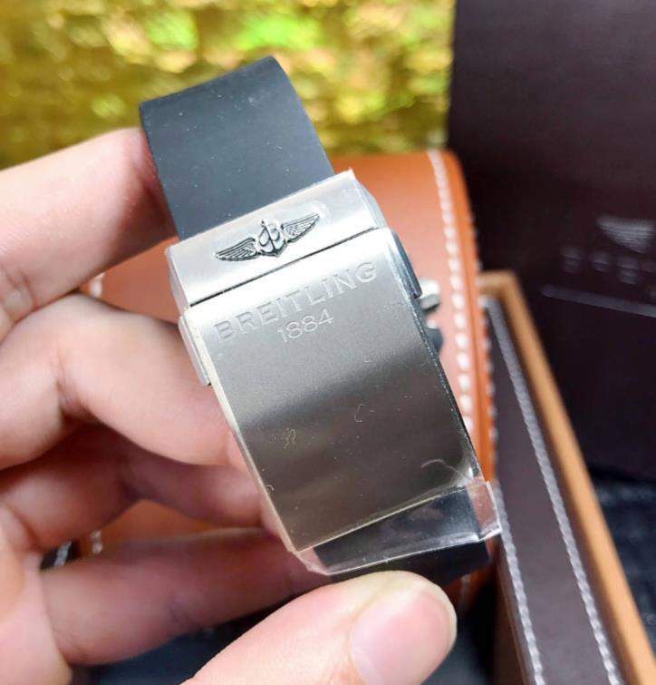 BRELTILING ブライトリング ベントレー  GMT 45mm EB043335/G801