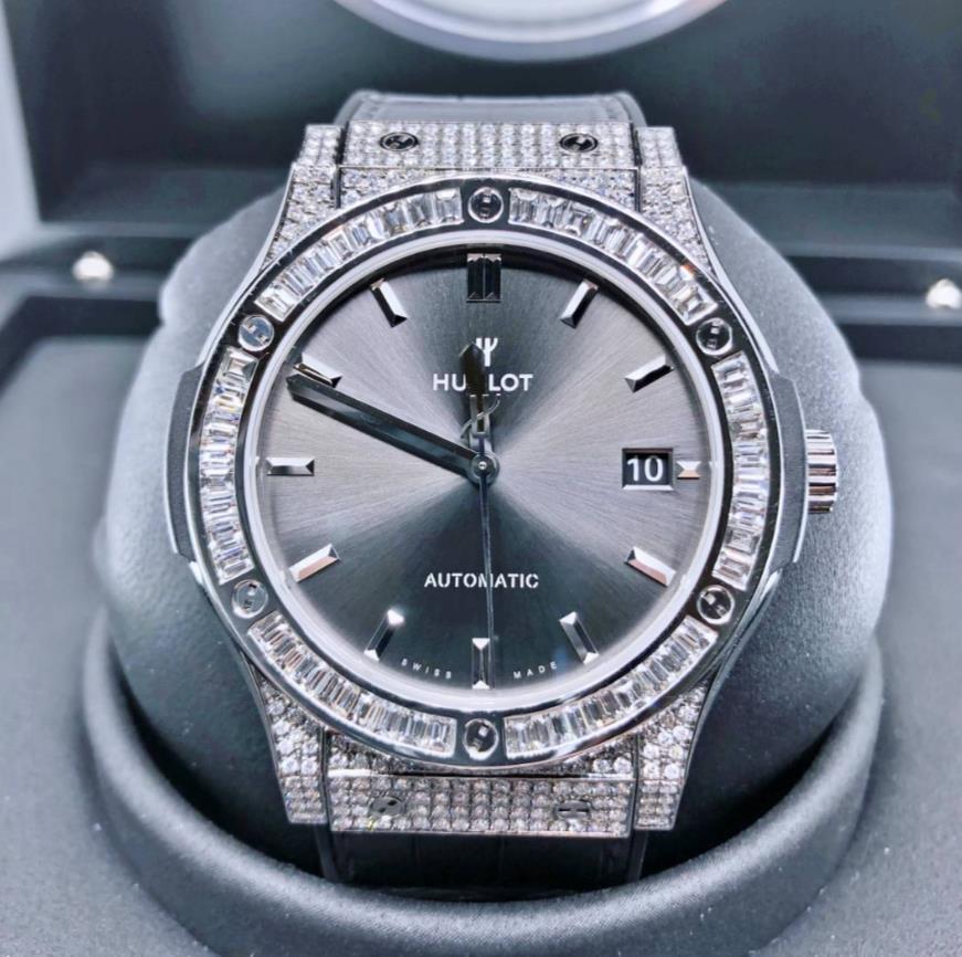 【新同品】HUBLOT ウブロ クラシックフュージョン レーシング グレー チタニウム 511.NX.7071.LR アフターダイヤモンド メンズ 腕時計 watch【送料・代引手数料無料】