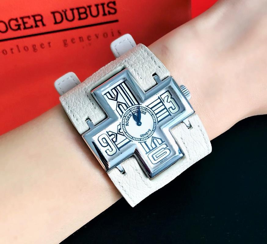 【良品】ロジェデュブイ Roger Dubuis フォローミー  F18 54 0 F1.7A/04 18Kホワイトゴールド レディース 腕時計 watch【送料・代引手数料無料】