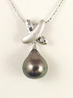 楽天 K14WG黒南洋真珠(タヒチ産)ダイヤ入りペンダント, 木のおもちゃ ユーロバス 409cc049