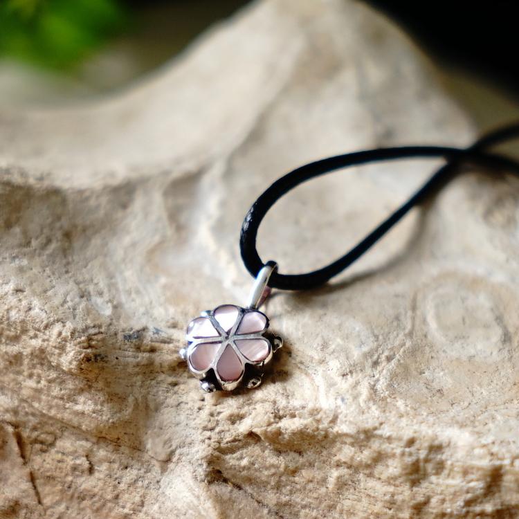 インディアンジュエリーペンダントネックレスズニ group pink shell silver 925 choker Lady's lucky  charm good luck good luck