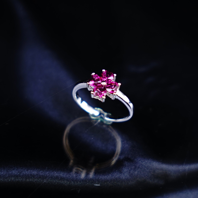 The pretty gift Lady's ring which has a cute ring rhodolite garnet power  stone nature stone ring ring silver 925 garnet present good luck good luck