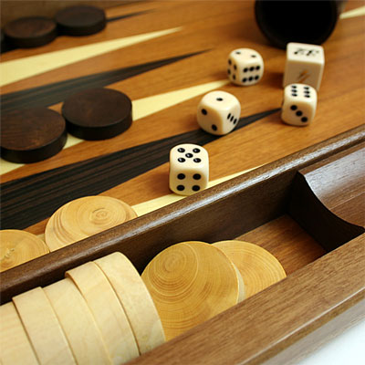 ダルネグロ社製 木製バックギャモン