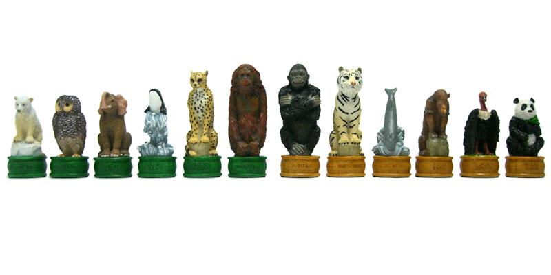 【シロクマからクロサイまで】動物のチェス駒
