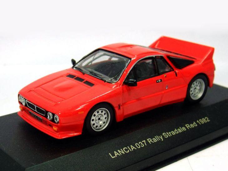 往年の名車の ミニカー 保障 ミニチュア モデルカー をオレの自慢の コレクション に コレクター アイテム ギフト プレゼント KBモデル ランチア 大人気! レッド 82 にも最適です ラリーストラダーレ 037 イクソ