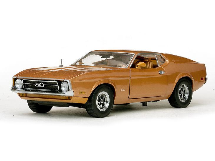 ミニカー SunStar / サンスター フォード マスタング スポーツルーフ 71 ミディアムブラウン